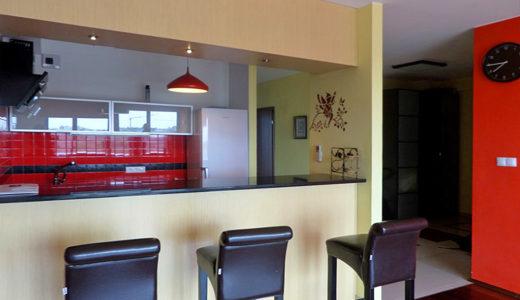 zabudowana funkcjonalnie kuchnia w mieszkaniu na wynajem Wrocław Krzyki