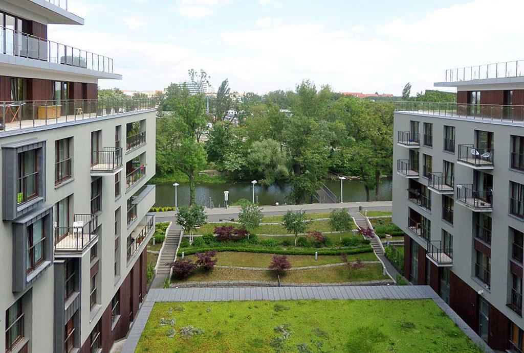 atrakcyjna lokalizacja z zapierającym dech w piersiach widokiem na na zieleń w mieszkaniu do wynajęcia Wrocław Krzyki