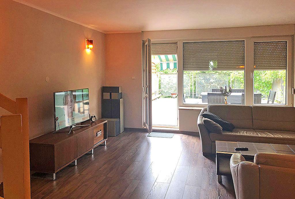 komfortowy i jasny salon w mieszkaniu na wynajem Wrocław Krzyki