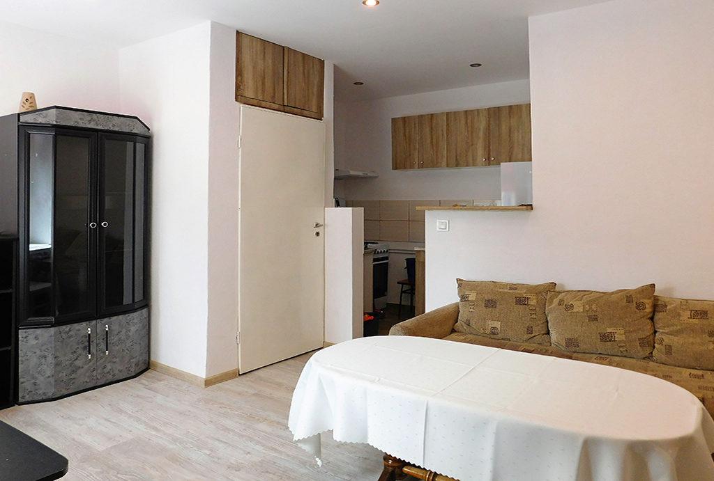 kuchnia, jadalnia i salon w mieszkaniu do wynajęcia Wrocław okolice