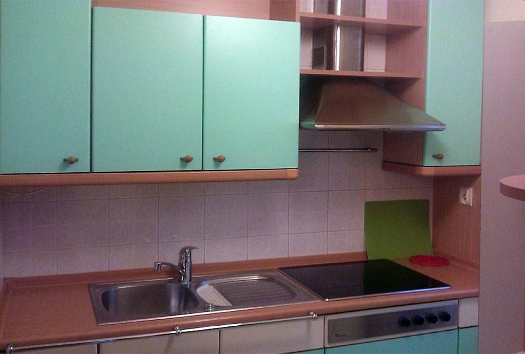 kuchnia w zabudowie w mieszkaniu do wynajmu Wrocław Fabryczna
