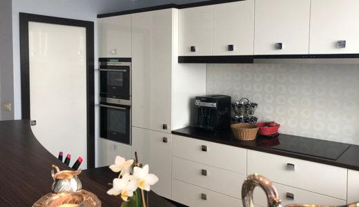 funkcjonalnie zaprojektowana kuchnia w mieszkaniu do wynajęcia Wrocław Krzyki