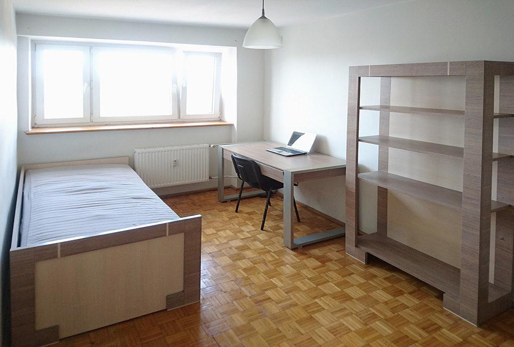 na zdjęciu sypialnia w mieszkaniu do sprzedaży Wrocław Psie Pole