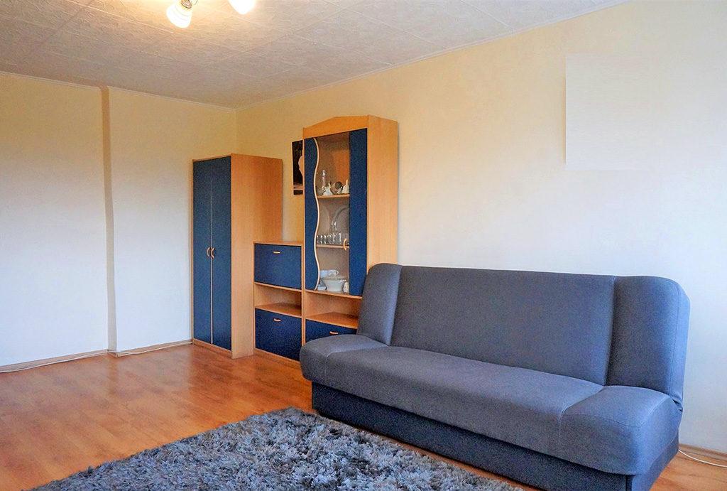 jeden z komfortowych pokoi w mieszkaniu do sprzedaży Wrocław Śródmieście