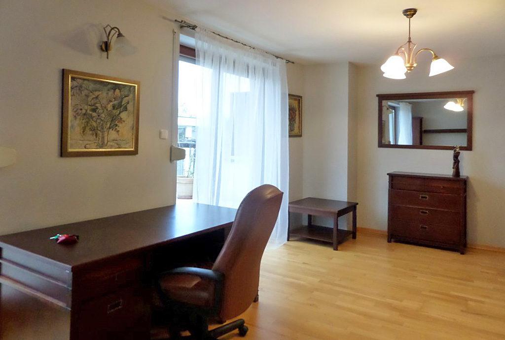 elegancki pokój dzienny w mieszkaniu do wynajmu Wrocław Śródmieście
