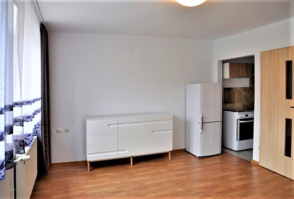 przestronne wnętrze mieszkania na wynajem Wrocław (okolice)