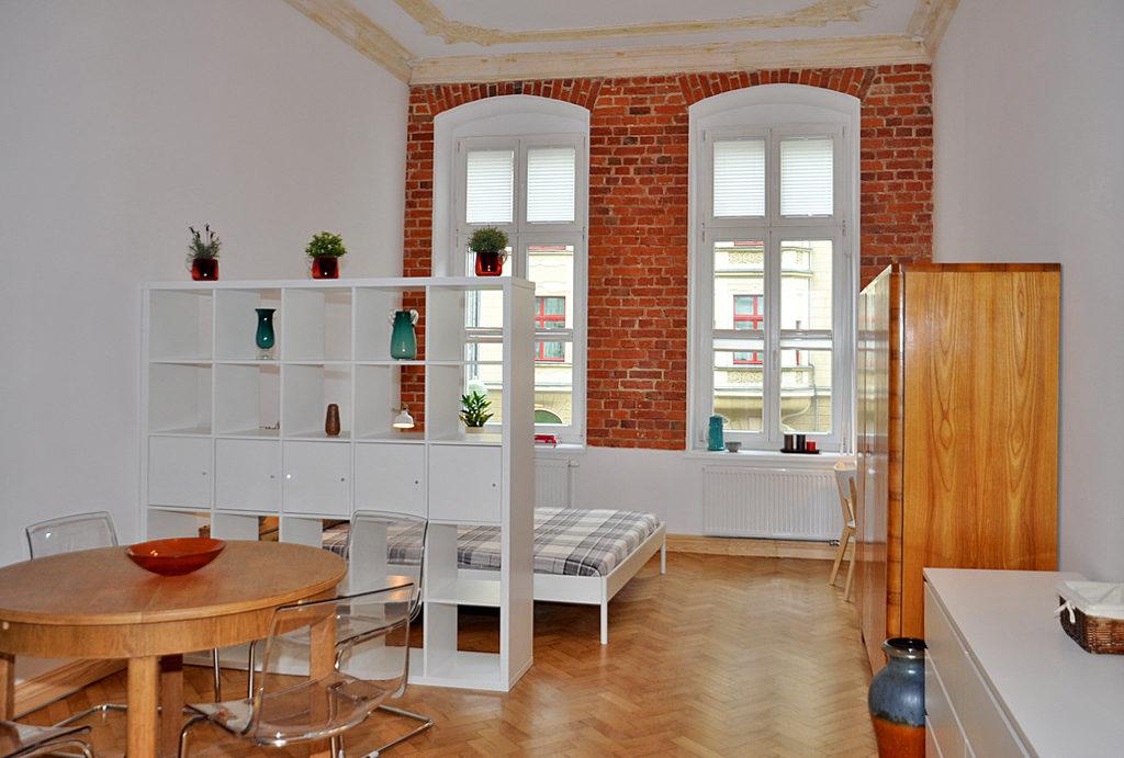 komfortowy salon w mieszkaniu do wynajęcia Wrocław Śródmieście