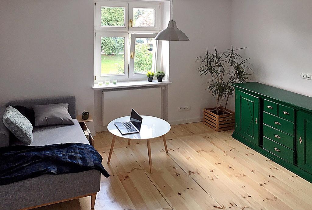 na zdjęciu prestiżowy salon w mieszkaniu do wynajmu Wrocław Śródmieście