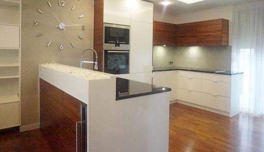 komfortowo urządzona kuchnia w mieszkaniu na sprzedaż Wrocław Krzyki