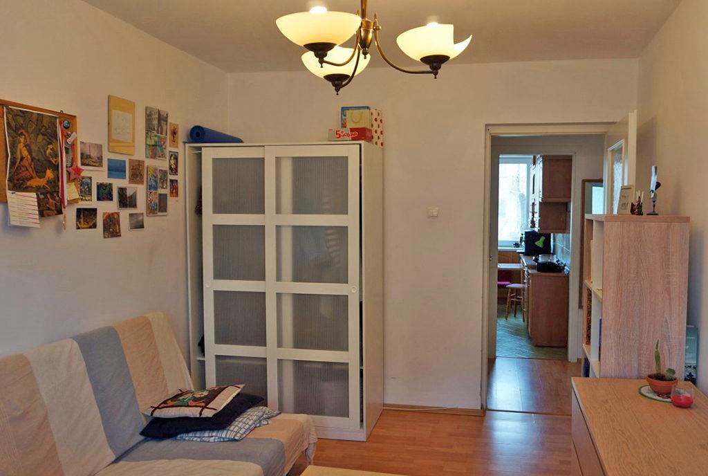 widok na salon w mieszkaniu na wynajem Wrocław Stare Miasto