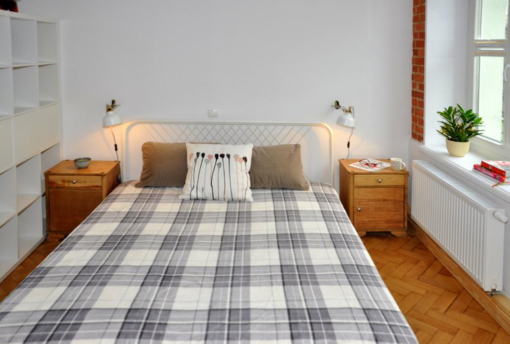 elegancka sypialnia w mieszkaniu na wynajem Wrocław Śródmieście