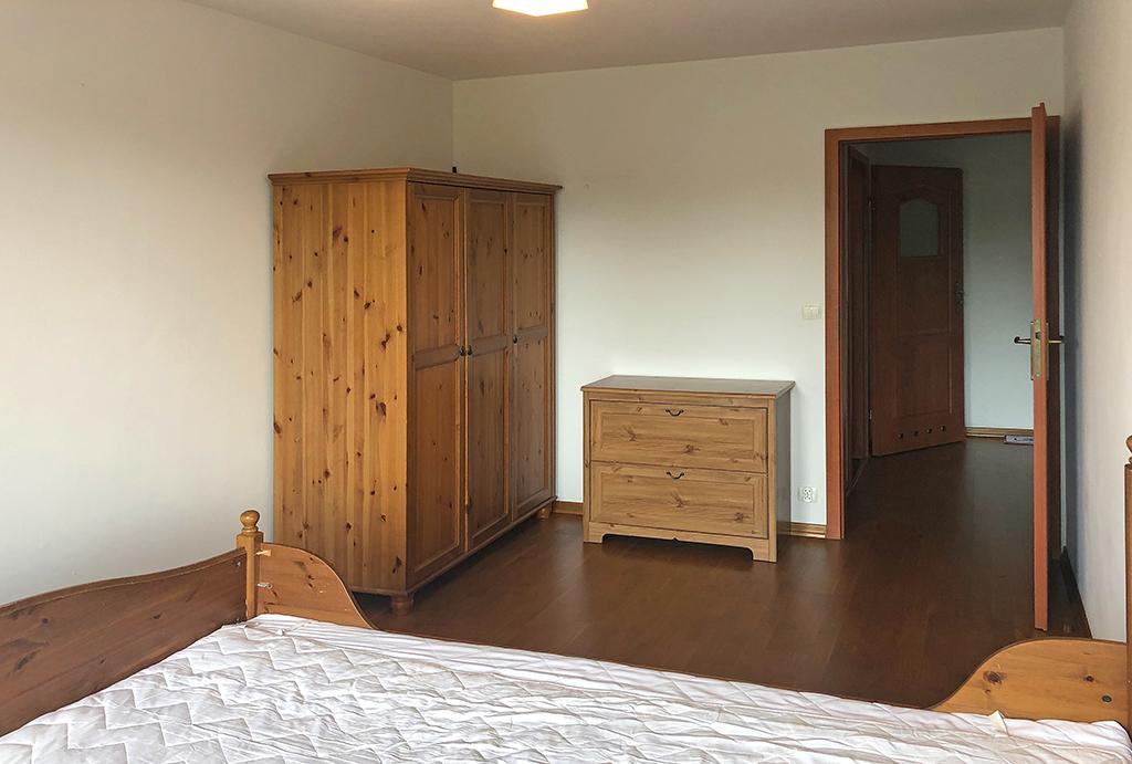 elegancka i prywatna sypialnia w mieszkaniu na wynajem Wrocław Krzyki