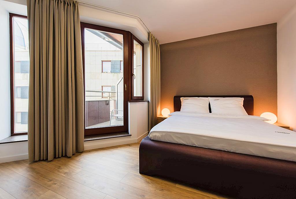 prywatna i zaciszna sypialnia w mieszkaniu do wynajęcia Wrocław Stare Miasto