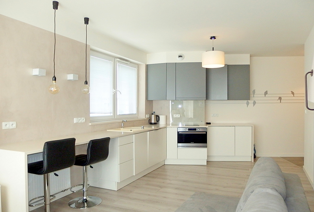 zaprojektowane i urządzone w funkcjonalny sposób wnętrze mieszkania na sprzedaż Wrocław Stare Miasto
