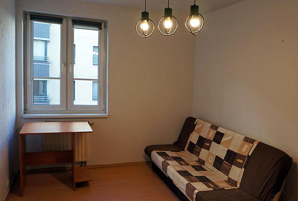 na zdjęciu gabinet albo pokój dziecka w mieszkaniu na wynajem Wrocław Śródmieście
