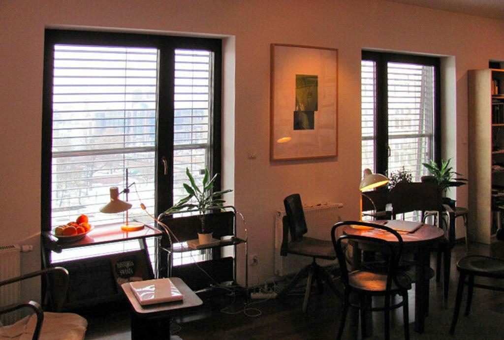 widok na jedno z pomieszczeń w mieszkaniu do wynajmu Wrocław Stare Miasto