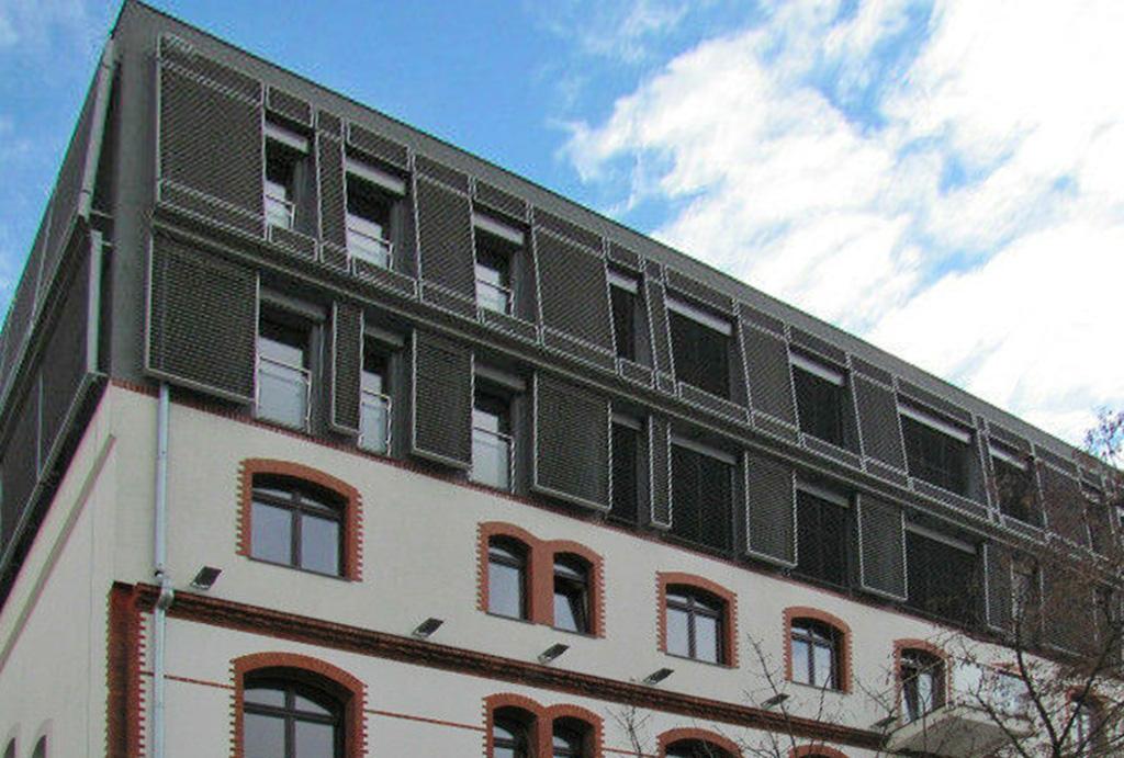 prestiżowa lokalizacja i odrestaurowana kamienica, gdzie mieści się oferowane na wynajem mieszkanie Wrocław Stare Miasto