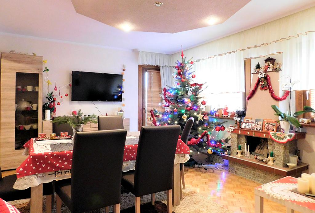widok na salon w mieszkaniu do sprzedaży Wrocław (okolice, Oława)