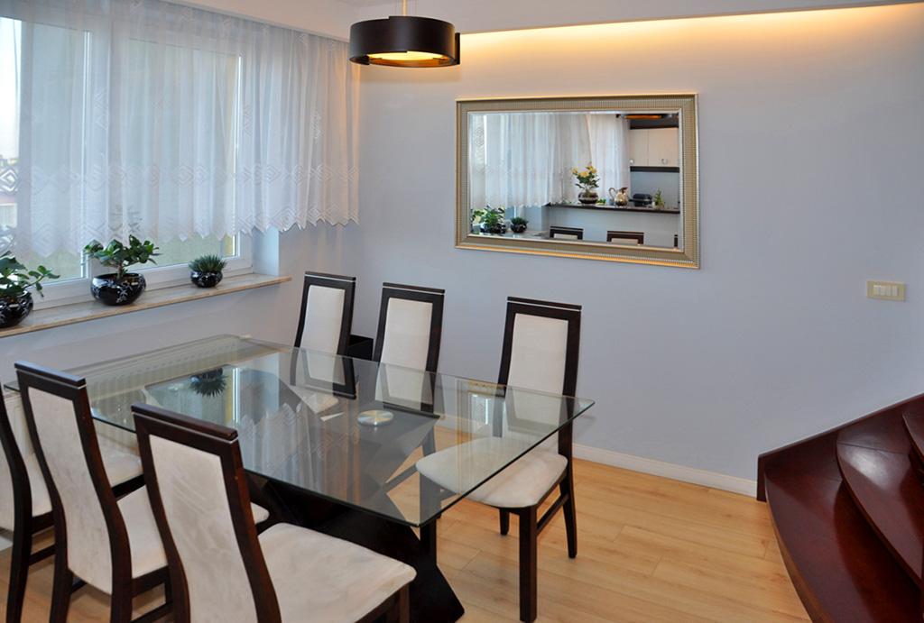 elegancka jadalnia w apartamencie do sprzedaży Wrocław Krzyki