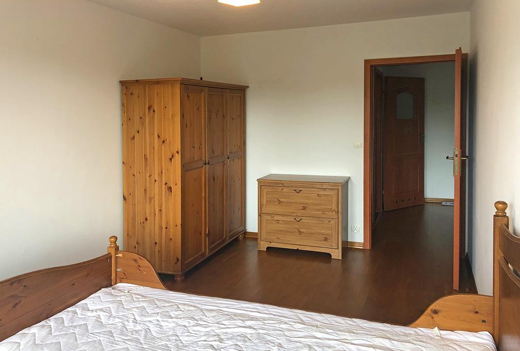 widok na elegancki pokój w mieszkaniu na sprzedaż Wrocław Krzyki