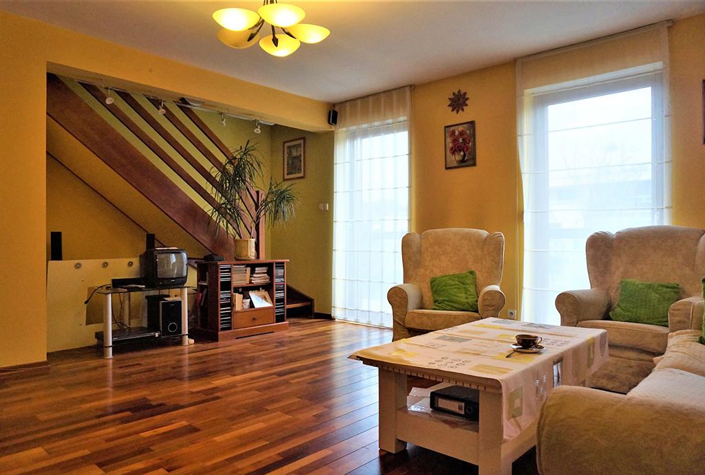 przestronne wnętrze mieszkania na sprzedaż Wrocław Śródmieście