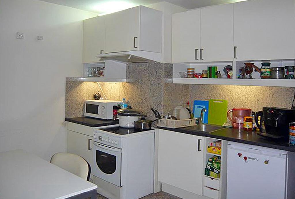praktycznie urządzona kuchnia w mieszkaniu do wynajmu Wrocław Śródmieście