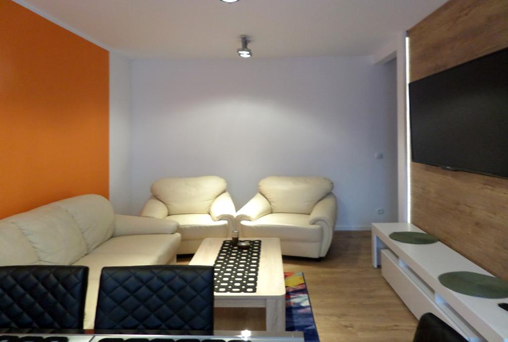 komfortowy pokój dzienny w mieszkaniu na wynajem Wrocław Fabryczna
