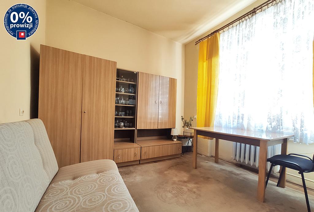 jeden z komfortowych pokoi w mieszkaniu do sprzedaży Wrocław Stare Miasto