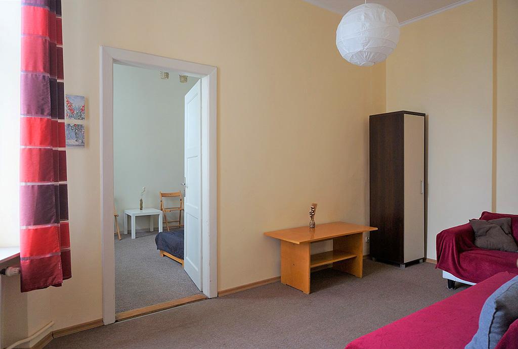 jeden z pokoi w mieszkaniu do wynajmu Wrocław Stare Miasto