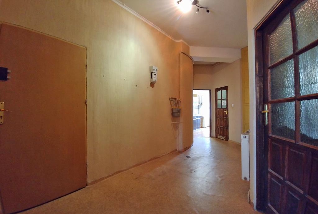 praktycznie zaaranżowany przedpokój w mieszkaniu na sprzedaż Wrocław Śródmieście