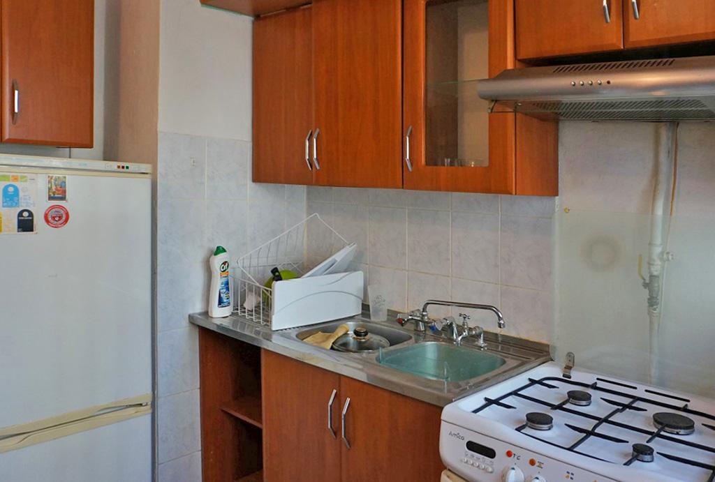 praktycznie zabudowana kuchnia w mieszkaniu do wynajęcia Wrocław Fabryczna