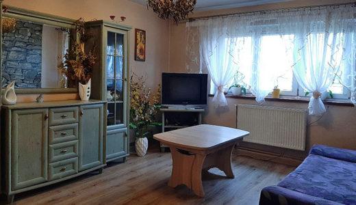 komfortowy pokój dzienny w mieszkaniu na sprzedaż Wrocław (okolice)