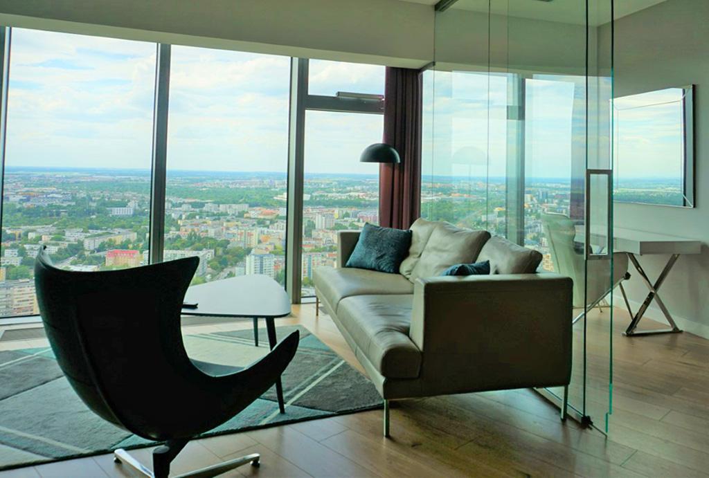 prestiżowy pokój dzienny w luksusowym apartamencie na wynajem Wrocław Krzyki