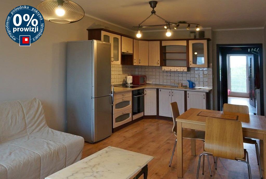 widok z salonu na aneks kuchenny w mieszkaniu do wynajęcia Wrocław Krzyki