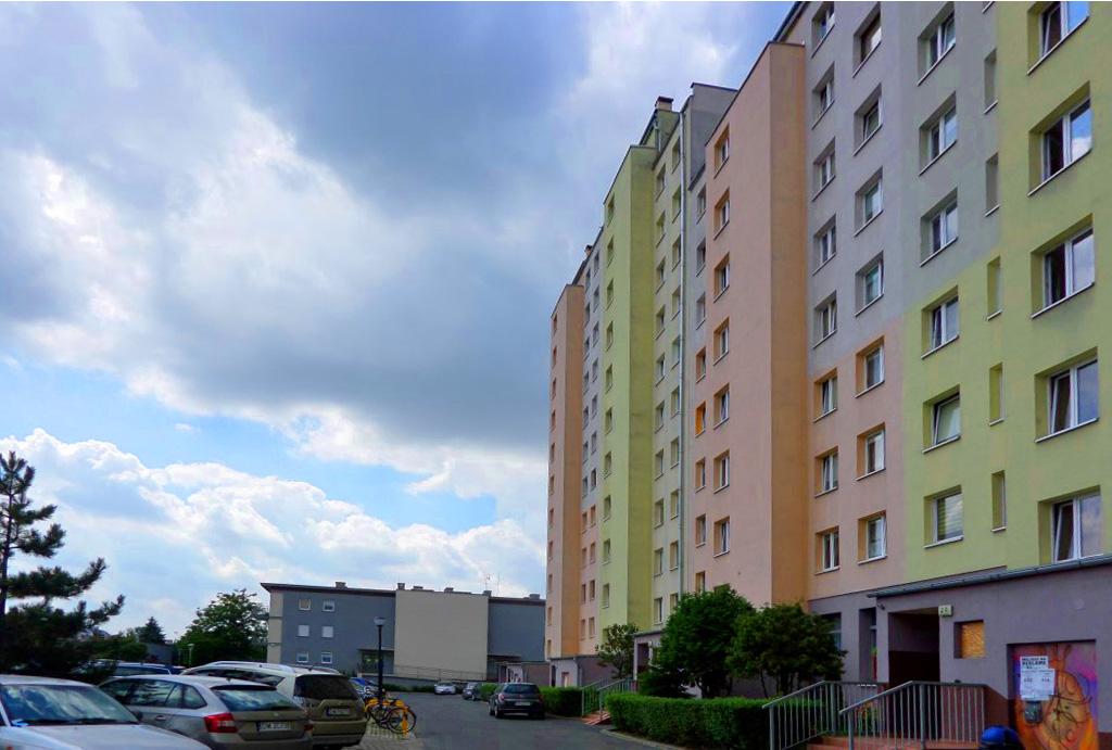 spokojne osiedle, na którym znajduje się oferowane do sprzedaży mieszkanie Wrocław Krzyki