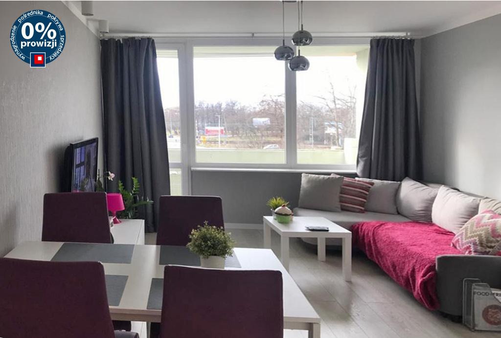 gustownie urządzony pokój dzienny w mieszkaniu do wynajmu Wrocław Fabryczna