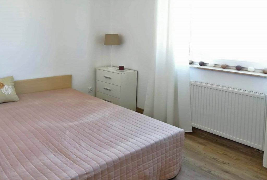 prywatna sypialnia w mieszkaniu na wynajem Wrocław Kiełczów