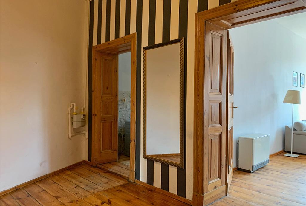 widok na przedpokój / hol w mieszkaniu na sprzedaż Wrocław Krzyki