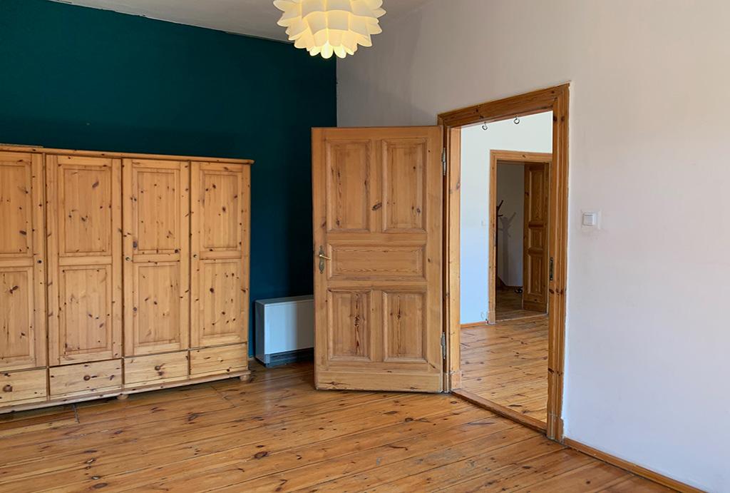 jedno z komfortowych pomieszczeń w mieszkaniu na sprzedaż Wrocław Krzyki