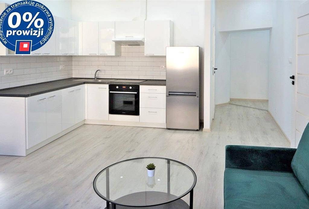 widok od strony salonu na aneks kuchenny w mieszkaniu do wynajęcia Wrocław Krzyki