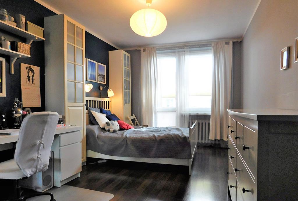 zaciszna sypialnia w mieszkaniu na sprzedaż Wrocław Krzyki
