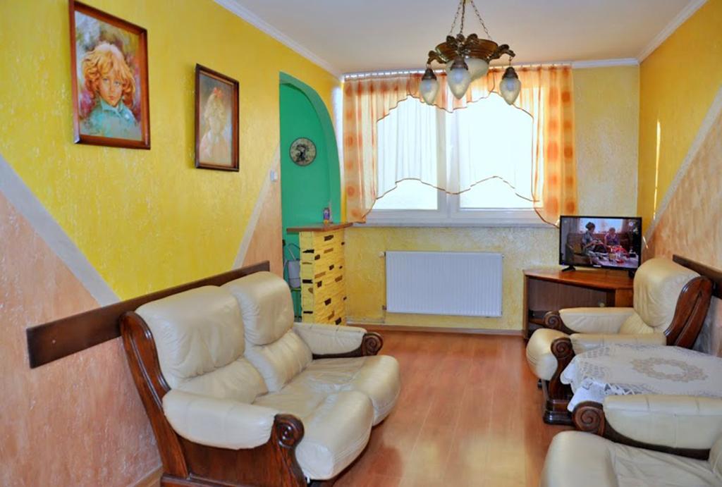 kameralny pokój dzienny w mieszkaniu do wynajęcia Wrocław (okolice, Oława)