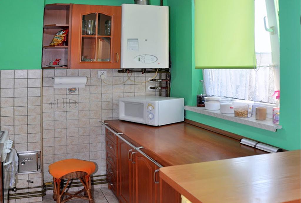 zabudowana kuchnia w mieszkaniu do wynajmu Wrocław (okolice, Oława)