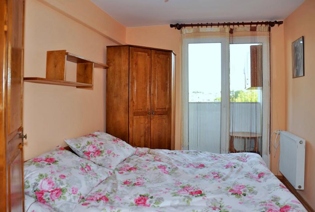 prywatna sypialnia w mieszkaniu na wynajem Wrocław (okolice, Oława)