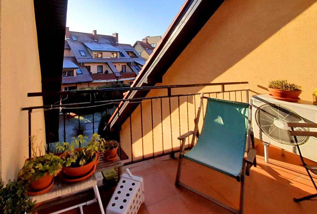 uroczy balkon przy mieszkaniu do spredaży Wrocław Krzyki