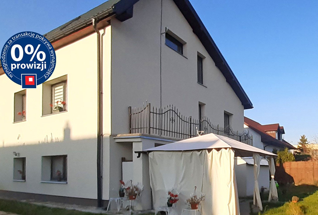 widok na budynek, gdzie znajduje się oferowane na wynajem mieszkanie Wrocław Psie Pole