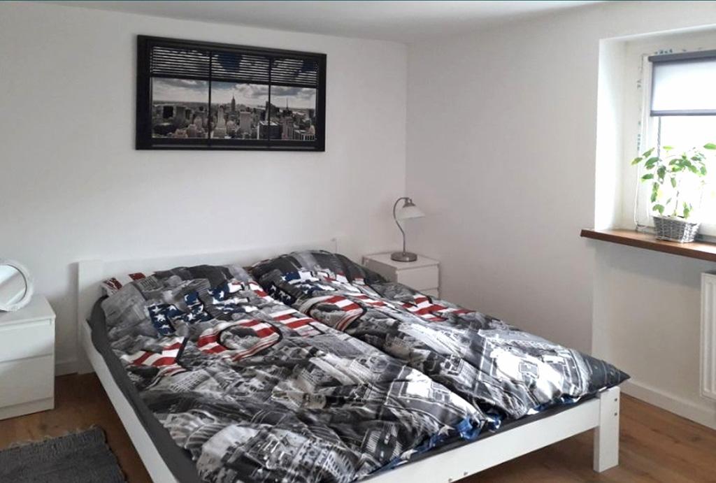 zaciszna sypialnia w mieszkaniu do wynajmu Wrocław Psie Pole