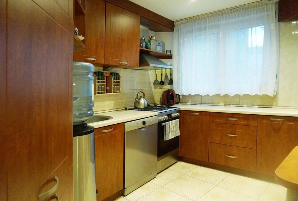 zabudowana praktycznie kuchnia w mieszkaniu do sprzedaży Wrocław Krzyki
