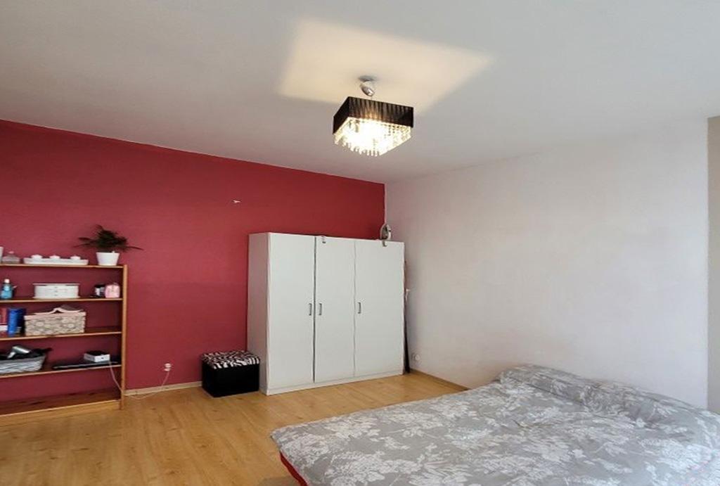 prywatna sypialnia w mieszkaniu na wynajem Wrocław Fabryczna