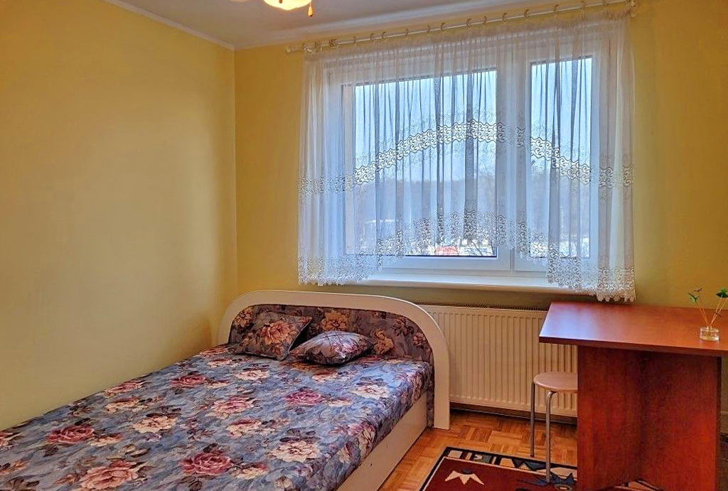 cicha sypialnia w mieszkaniu na wynajem Wrocław Fabryczna